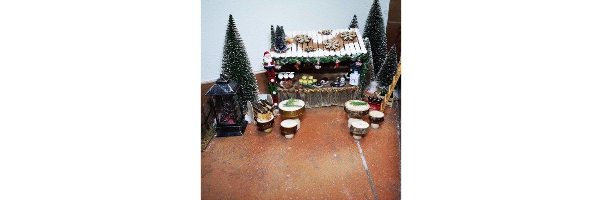 Durch Gestaltung von Miniaturen zum persönlichen Weihnachtsmarkt - Elfentür Feeentür Zaubertür Tür für Elfen Weihnachtself Vorweihnachtszeit